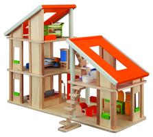 Chaletpuppenhaus mit Möbeln